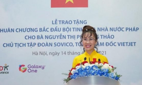 Vietjet President & CEO Nguyen Thi Phuong Thao receives  French Legion of Honour